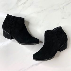 Blondo Black Suede Waterproof Ankle Booties 6.5